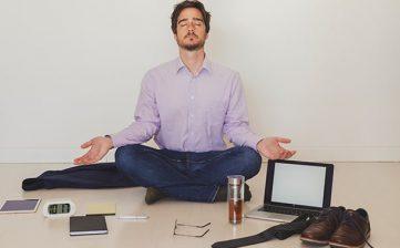 3 moduri în care meditația vă ajută să aveți succes
